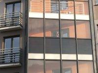 архитектурная тонировка жилого дома бронзовой зеркальной пленкой