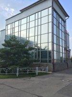 тонировка здания зеркальной архитектурной пленкой