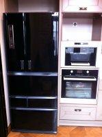 Recolors.ru Новый облик: черный холодильник.