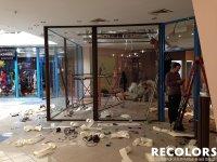 Recolors.ru Оклейка витрины-перегородки
